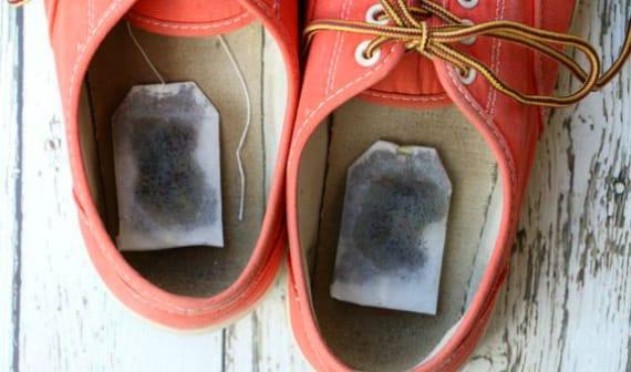 Как можно убрать запах с обуви в домашних условиях 90